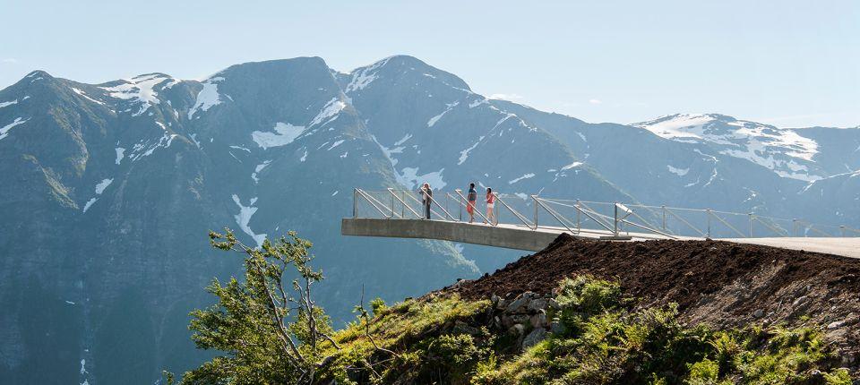 Betonski vidikovac u Norveškoj koji deluje kao da lebdi