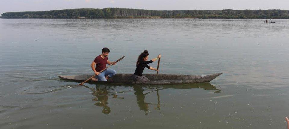 Betonski kanu zaplovio Dunavom