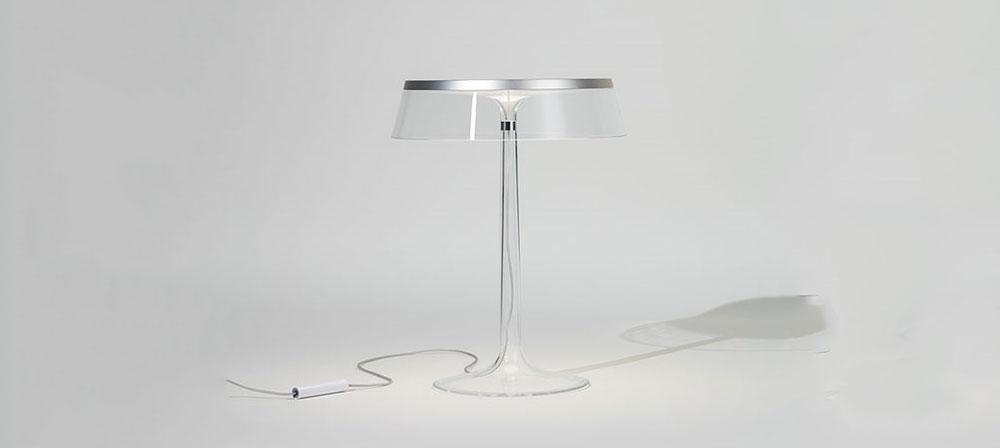 Filip Stark dizajnirao providnu stonu lampu za Flos