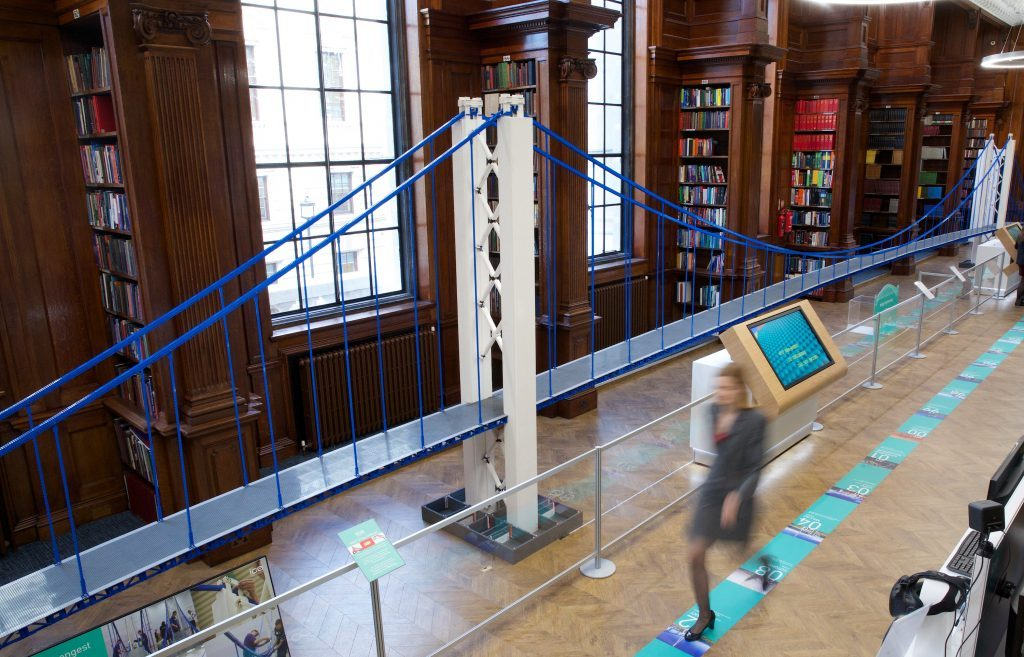 Najduži viseći most na svetu… napravljen od Lego kockica
