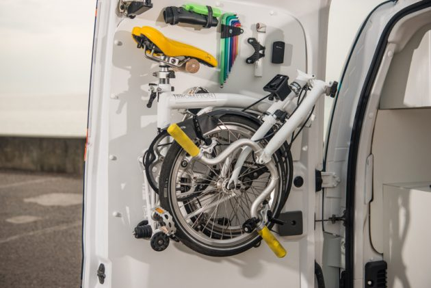 nissan-e-nv200-workspace-06