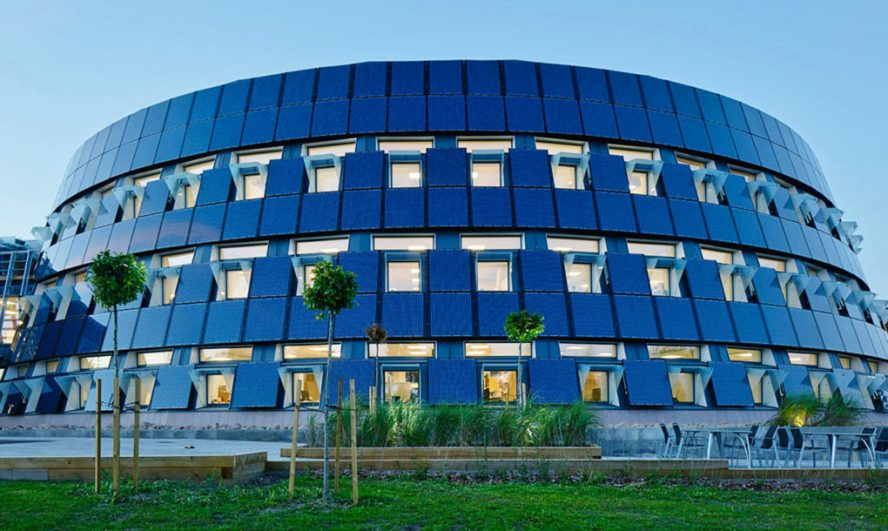 Gejming kompanija obmotala svoje sedište u solarne panele