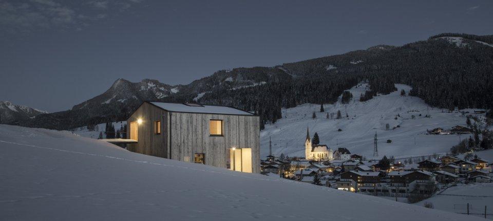 Minimalistička vikendica na ruralnim austrijskim brežuljcima