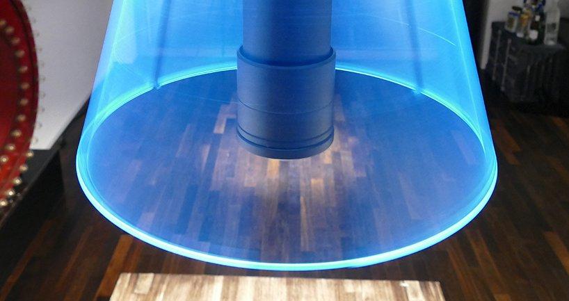 Abažur od svetla: Luster s rotirajućim LED trakama