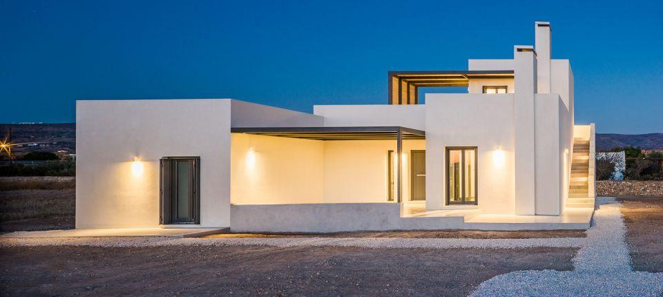 Kuća na grčkom ostrvu nastala poigravanjem sa osnovnim geometrijskim oblicima