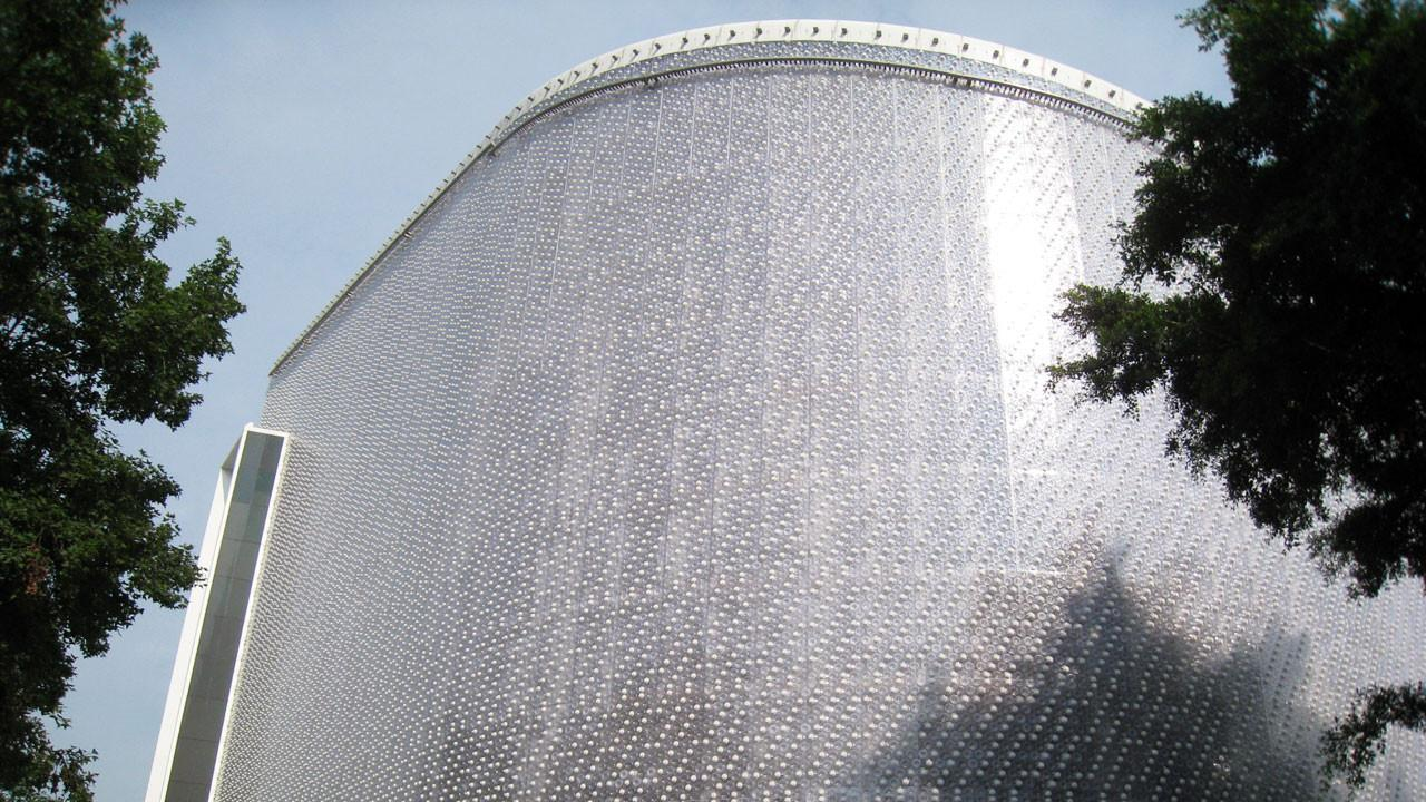 Zgrada napravljena od  milion i po plastičnih flaša otporna je na požar
