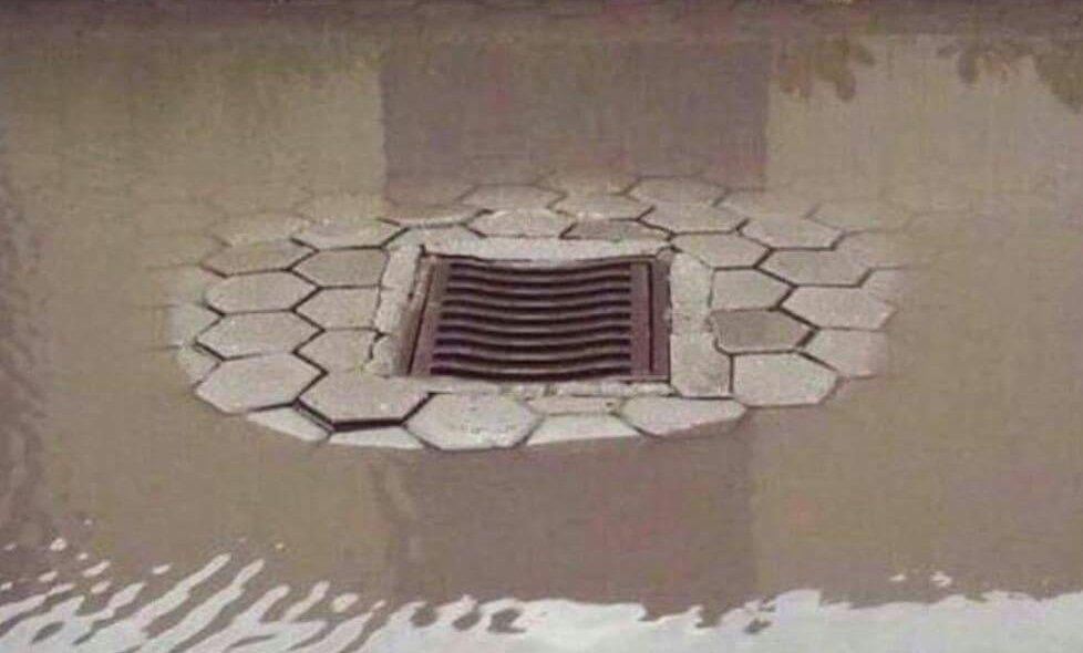 Neposlušna voda ne želi u kanalizaciju