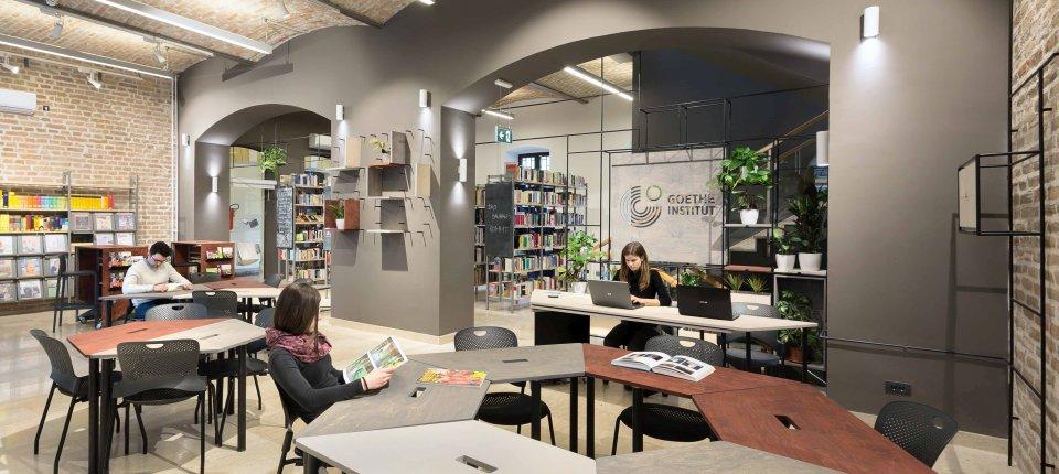 Enterijer biblioteke Goethe instituta u Beogradu