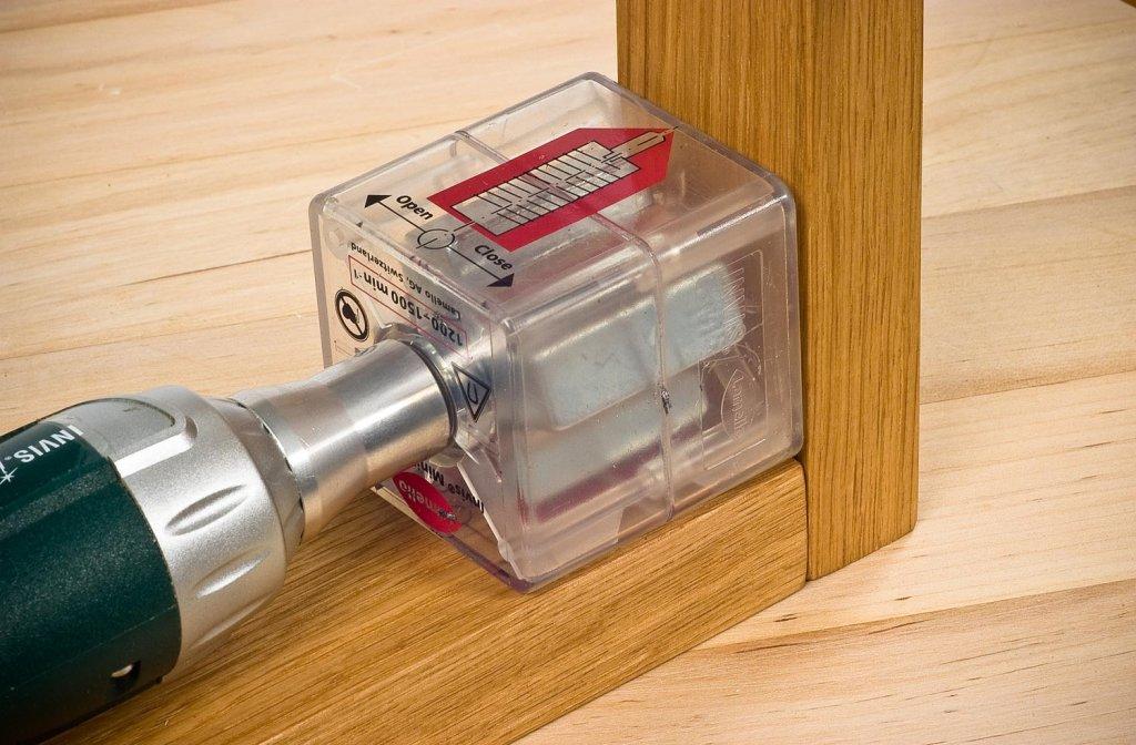 Magnetno zavrtanje šrafova ne ostavlja vidljive rupe u nameštaju