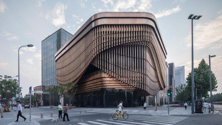 Fosterov teatar čija fasada pada kao zavesa na sceni
