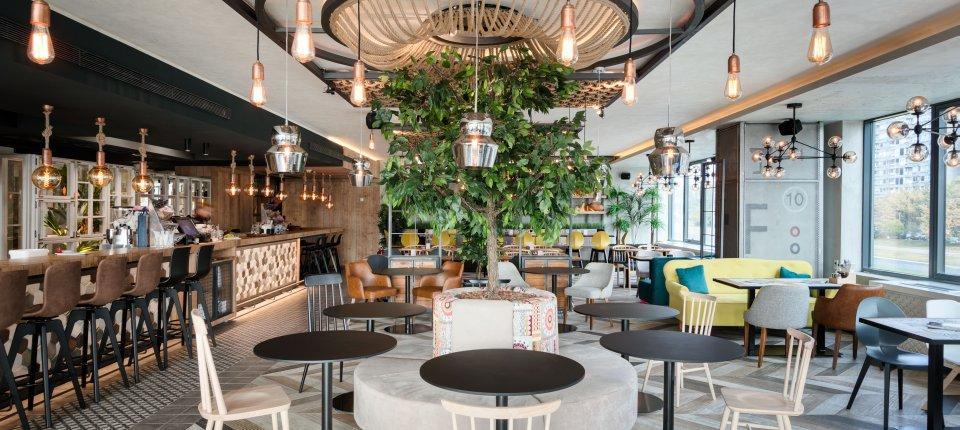 Raskošni enterijer beogradskog restorana Boutique Trojka