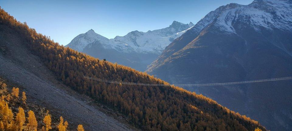 Najduža viseća pasarela na svetu otvorena u švajcarskim Alpima
