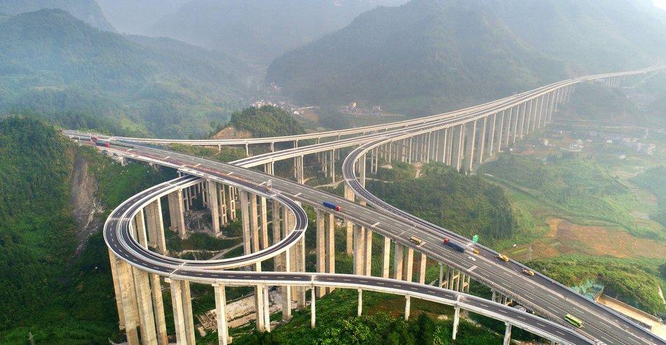 Spektakularna kineska petlja na stubovima visokim 30 metara