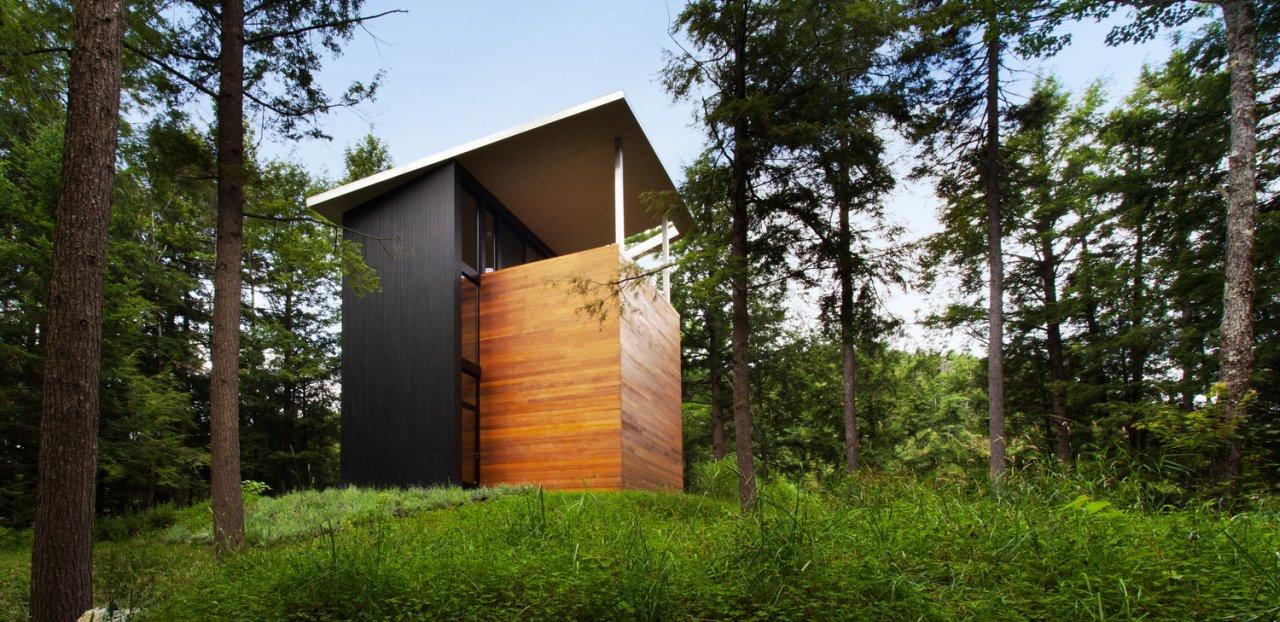 Kuća vajara koja izgleda kao skulptura u prirodi
