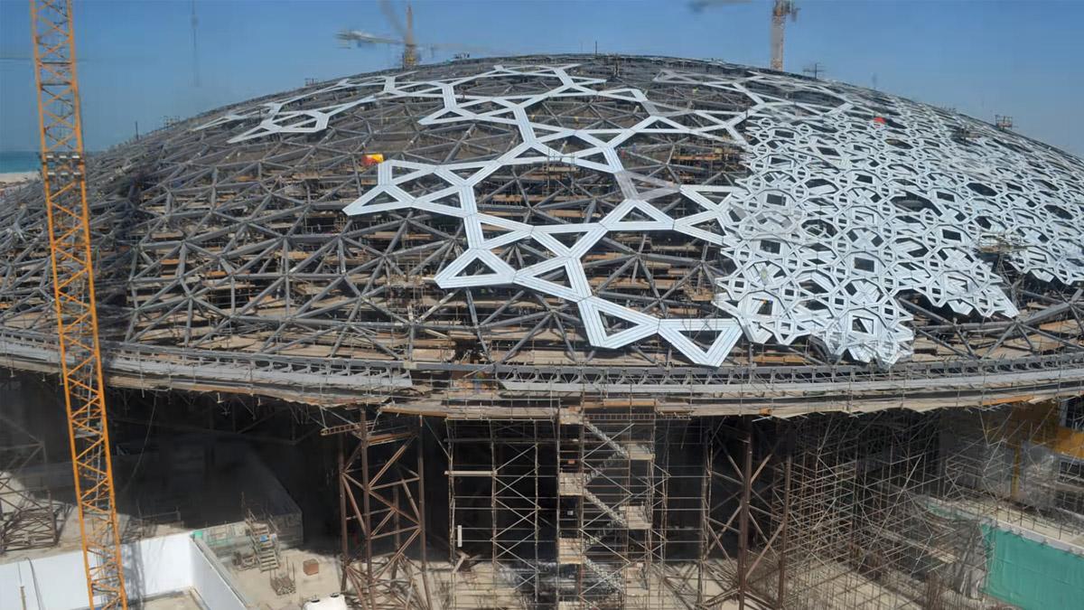 Osam godina izgradnje Luvra u Abu Dabiju u samo tri minute