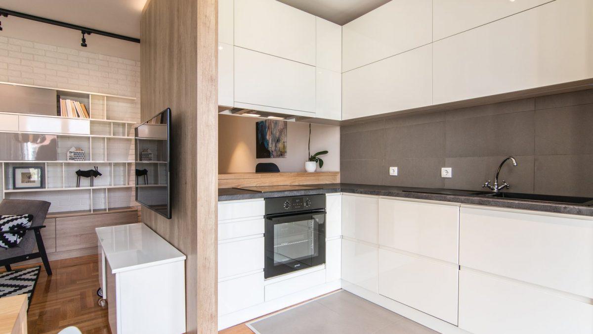 cena izvo enja kuhinje po meri gradnja. Black Bedroom Furniture Sets. Home Design Ideas