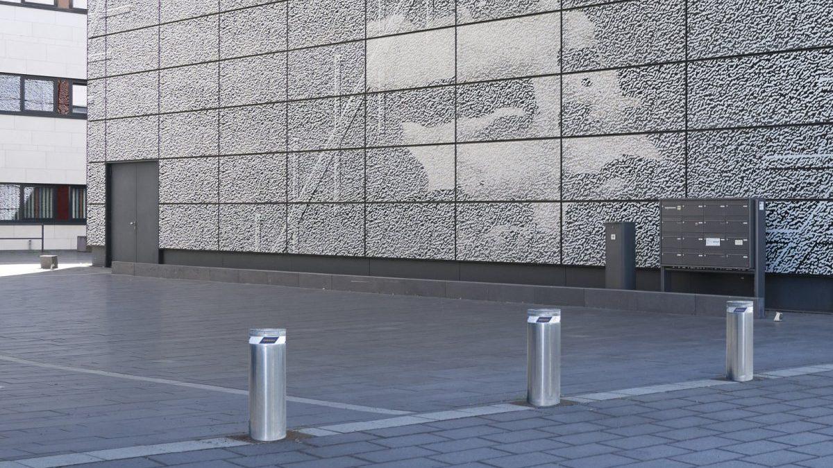 Stubovi koji štite centralna gradska jezgra od vandala