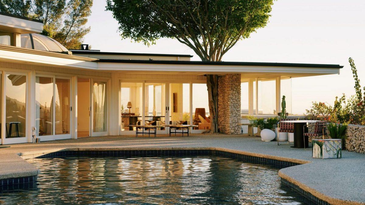 Kuća Elvisa Prislija u Los Anđelesu postaje… salon nameštaja!