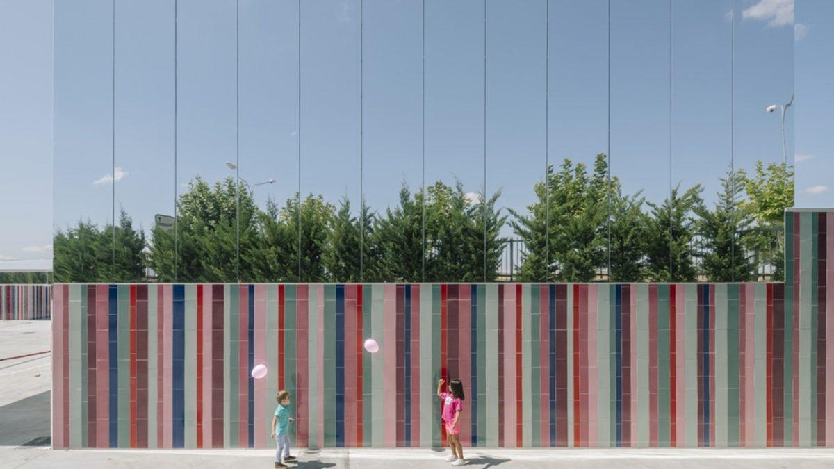 Škola u Španiji koja je (skoro) nevidljiva