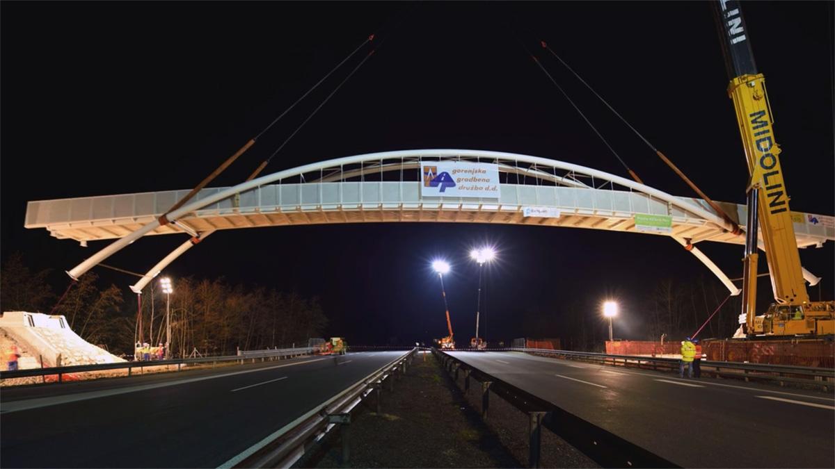 17 minuta montaže slovenačkog mosta u 30 sekundi