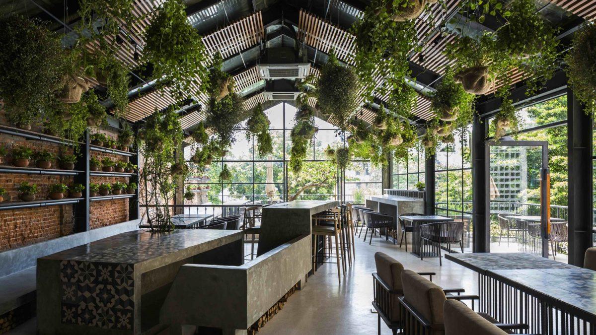 Enterijer restorana inspirisan cvetom koji cveta jednom u tri milenijuma