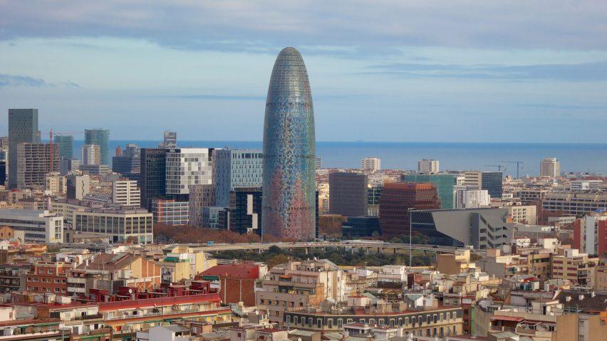 Fejsbuk će se lažnim vestima boriti iz najpoznatijeg nebodera u Barseloni