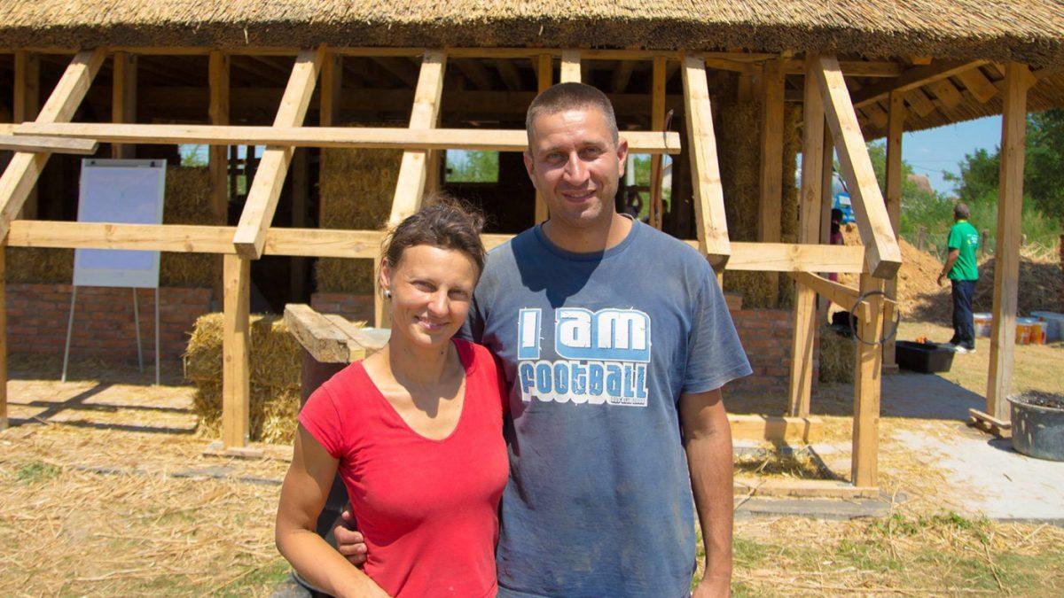 Mladi bračni par iz Šapca sam podigao održivu kuću od slame