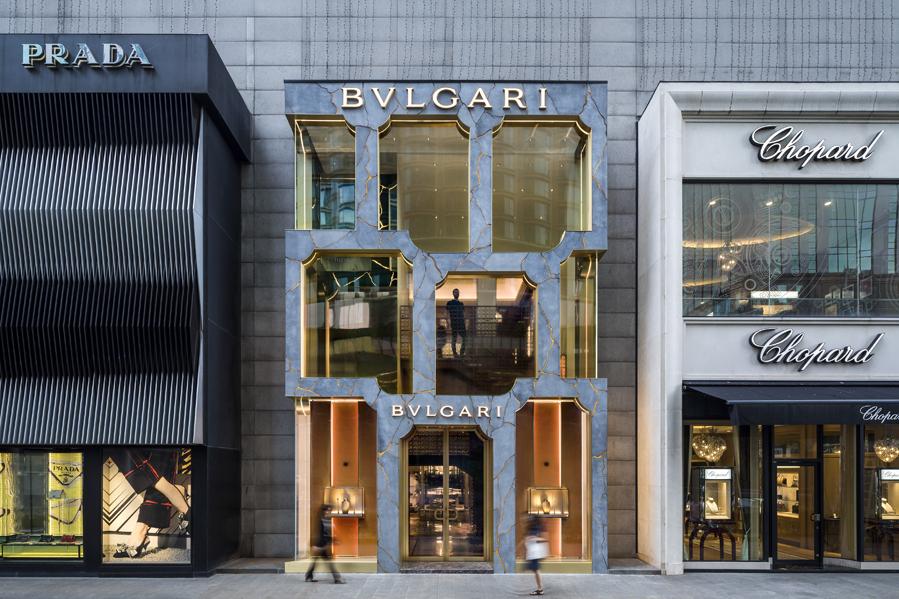Kapilarna fasada novog Bulgari butika izgleda kao da je živa