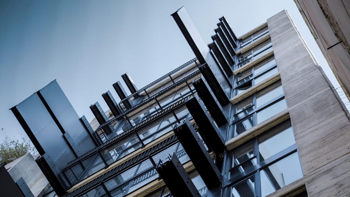Pokretni zidovi krase fasadu ove modularne stambene zgrade