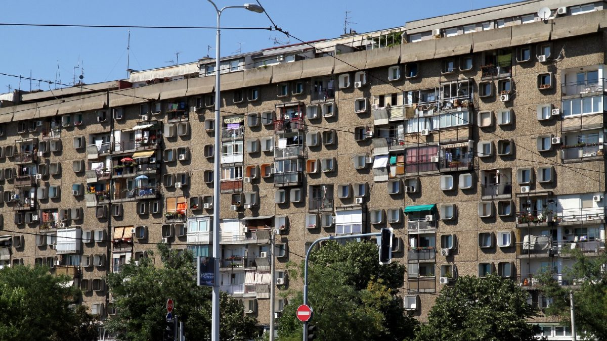Lepa Brena, Sivonja i Pet ludaka: Neobične zgrade u Srbiji i njihovi nadimci