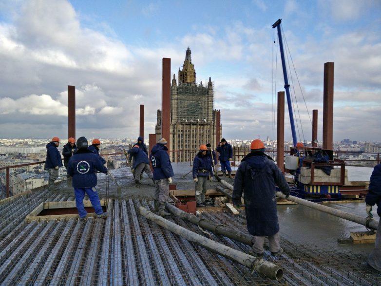 Betoniranje prve ploče restorana tokom ruske zime