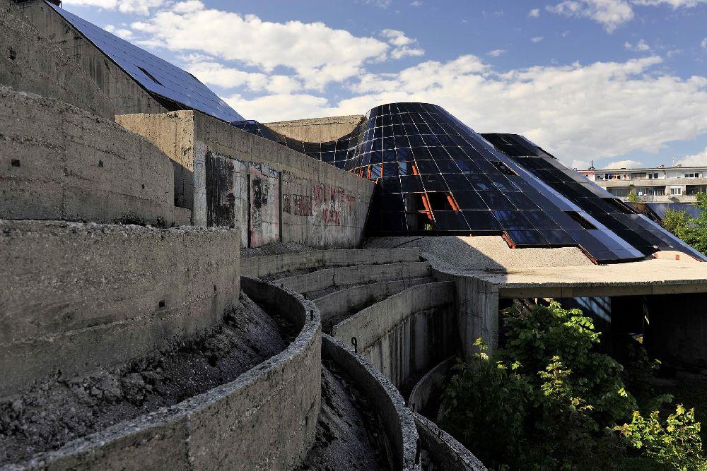 Ruše objekat koji je trenutno na izložbi posvećenoj jugoslovenskoj arhitekturi?