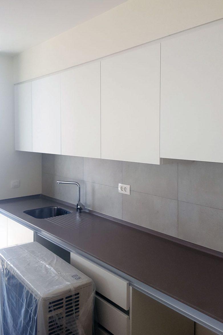 Svaki stan dolazi s kuhinjskim elementima