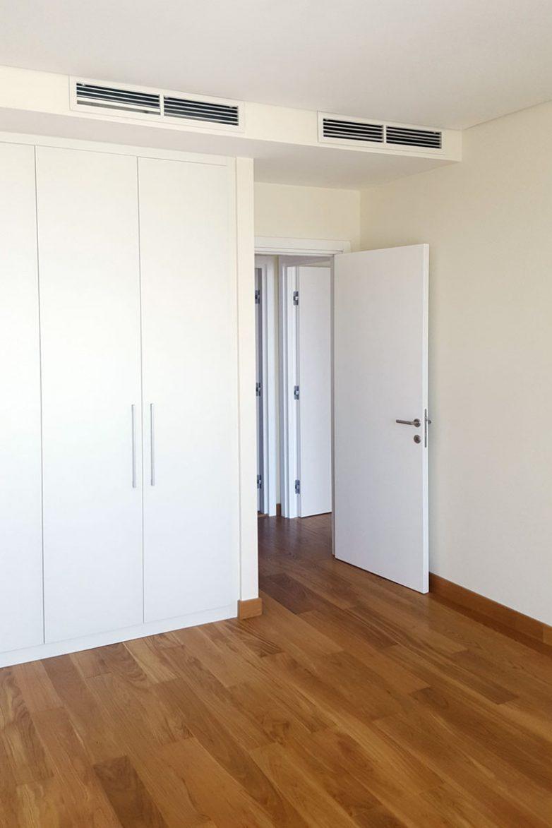 Sa stanom dobijate i ugrađene garderobere