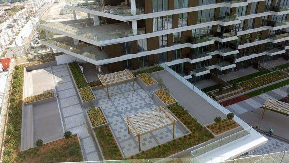 Pogled na zajedničku terasu na 4. spratu