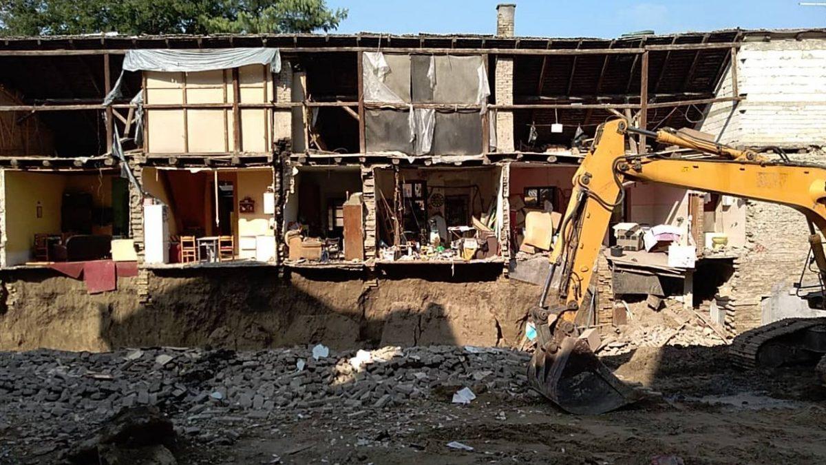 Obrušila se zgrada u Novom Sadu usled kopanja temelja za buduću višespratnicu