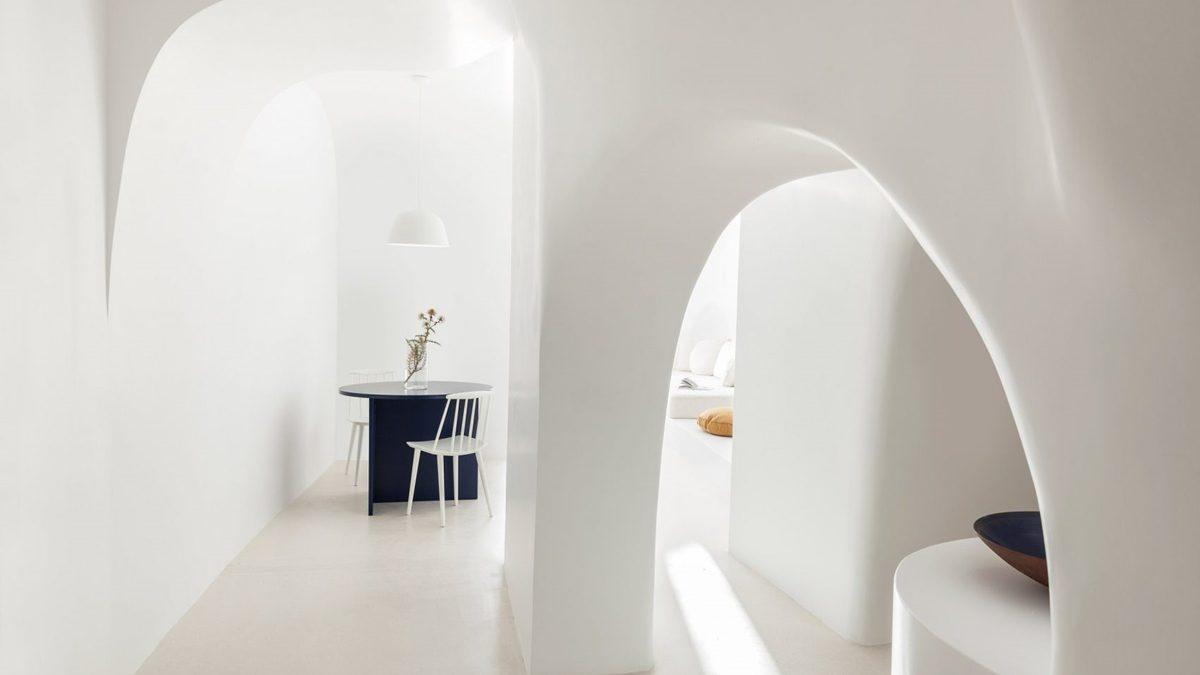 Moderna pećina na Santoriniju / Kapsimalis Architects