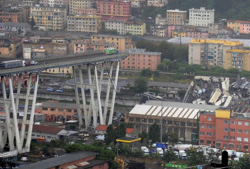 Srušio se most kod Đenove usled jake oluje