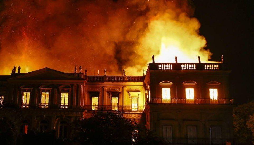 Vatra progutala Nacionalni muzej Brazila u Riju de Žaneiru