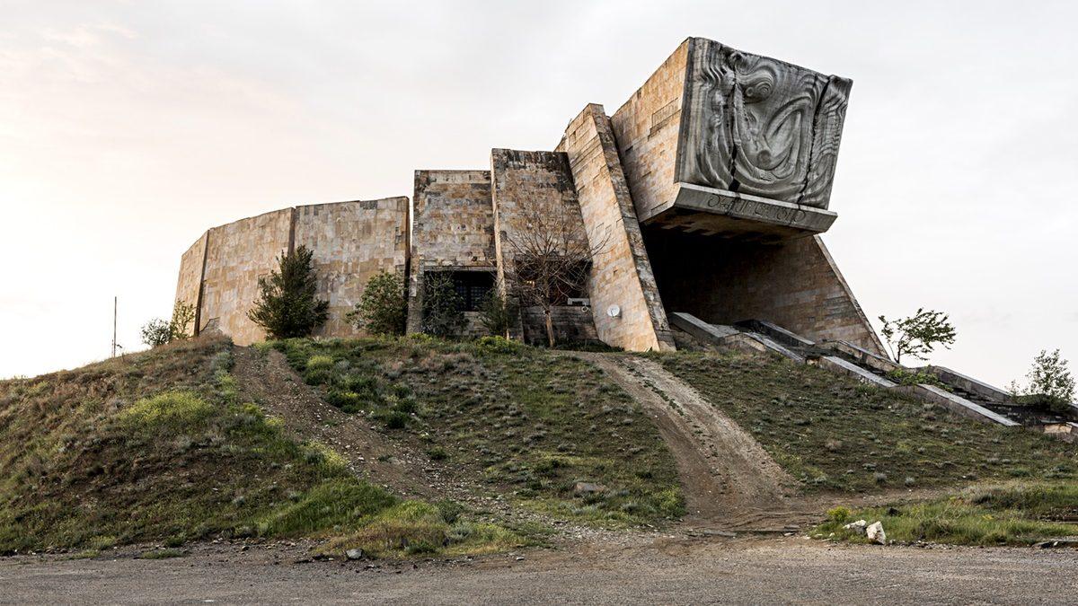 Fotografije čudnovate posleratne arhitekture u Gruziji