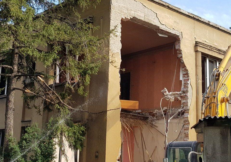 Bageri u Topolskoj: Ruši se vila na Vračaru stara skoro 90 godina