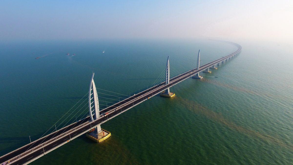Kinezi otvorili najveći most na svetu preko mora