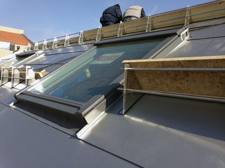 VELUX na (usijanom) limenom krovu