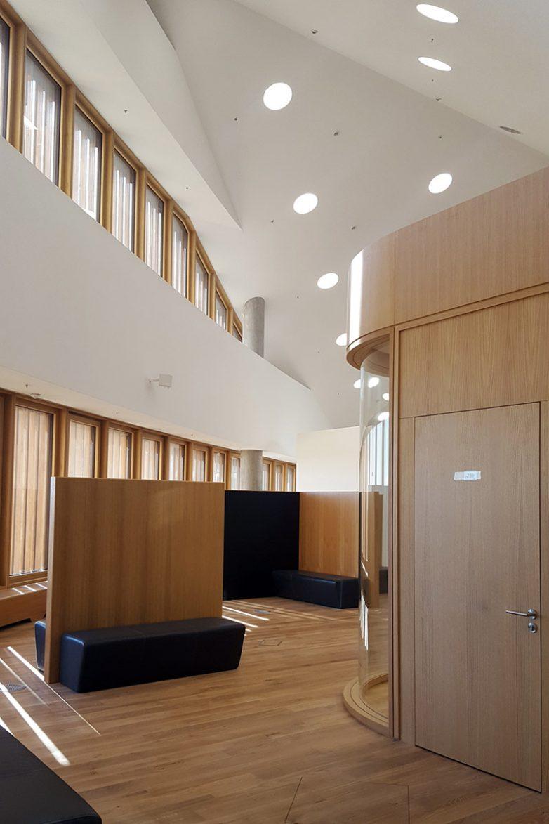 Zaobljene konferencijske sale i prostor za coworking; Foto: Igor Conić