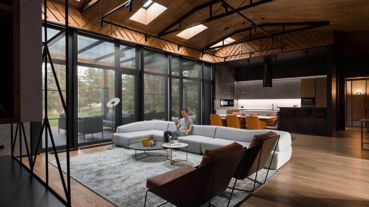 Topli minimalizam: Kuća u kojoj dominiraju drvene i kamene površine