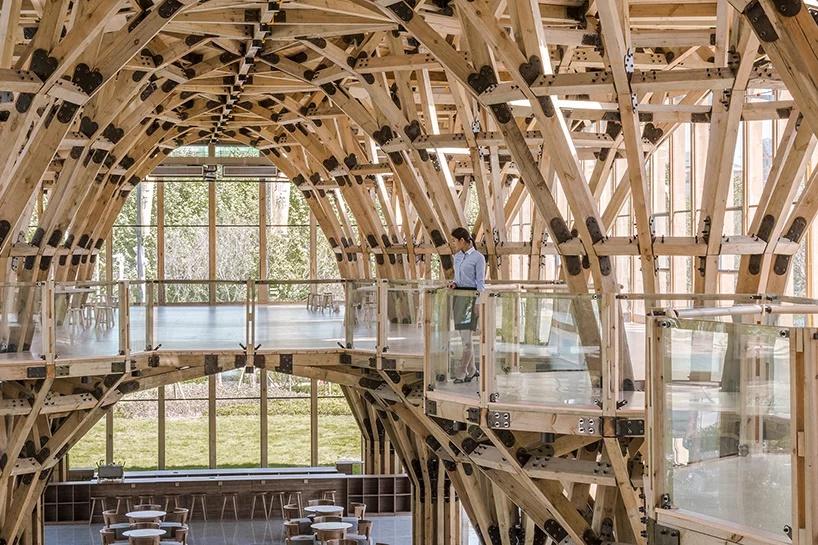 Drvenu konstrukciju ove zgrade moguće je potpuno demontirati i iznova koristiti