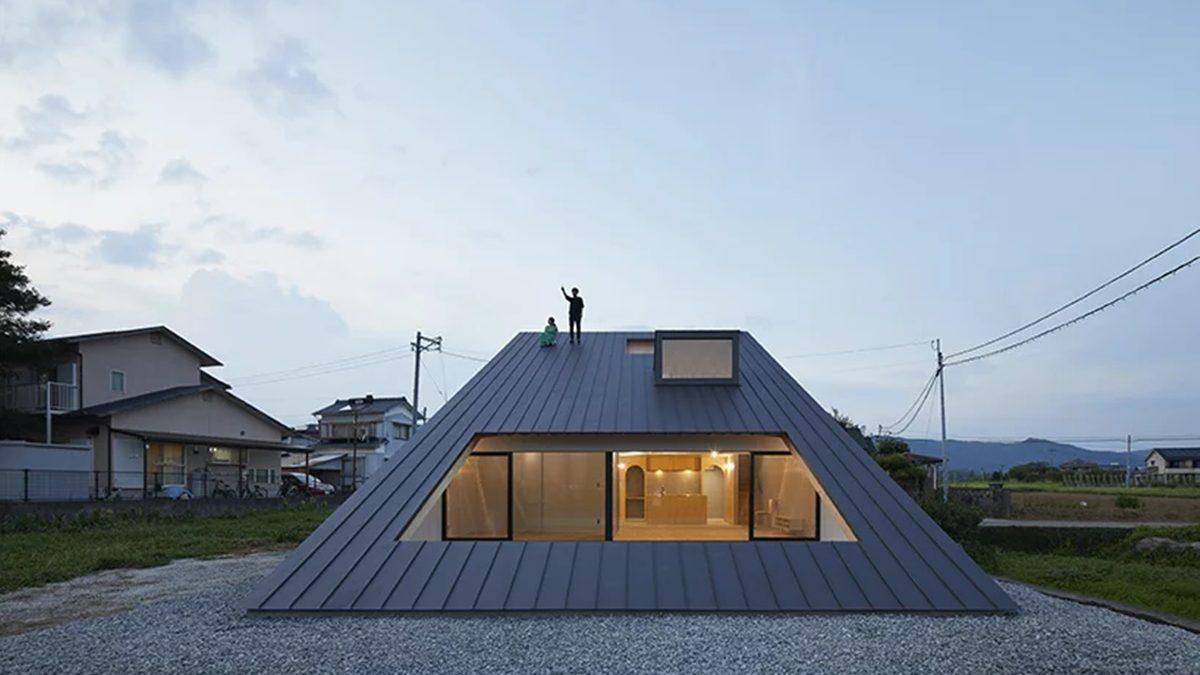 Moderna kuća s limenim krovom na koji se možete popeti bez imalo muke