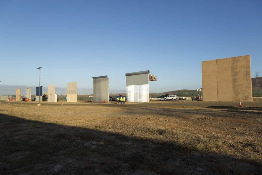 Svi probni zidovi za izgradnju barijere na granici s Meksikom pali na testu