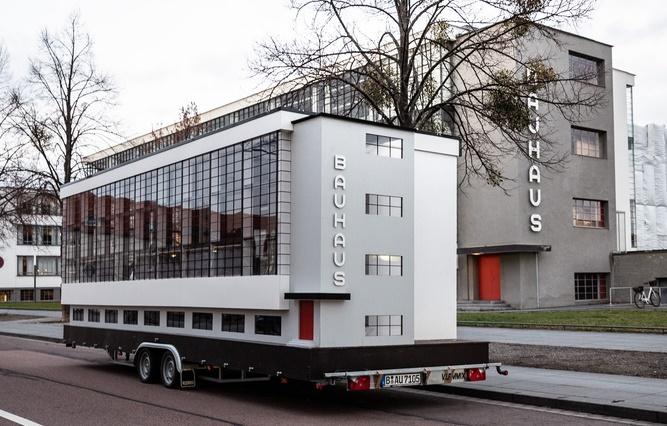 Bauhaus autobus kreće na svetsku turneju