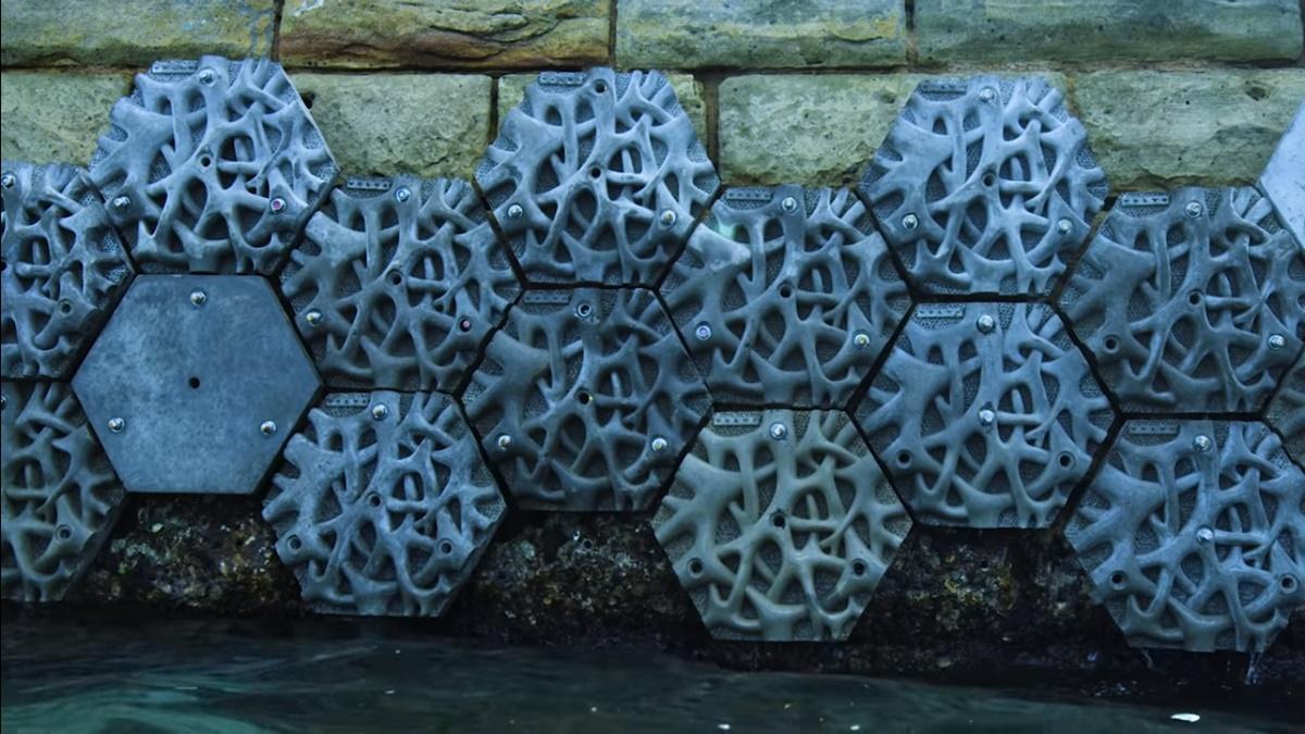 Volvo predstavio živi zid koji odbija plastični otpad